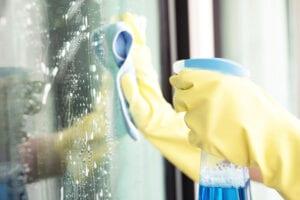 choisissez-un-professionnel-pour-nettoyer-vos-vitres